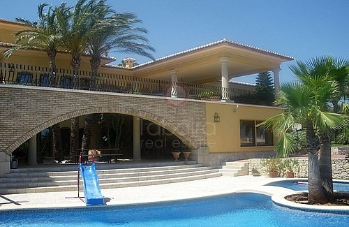 Buy A Luxury Villa in Benitachell, Alicante