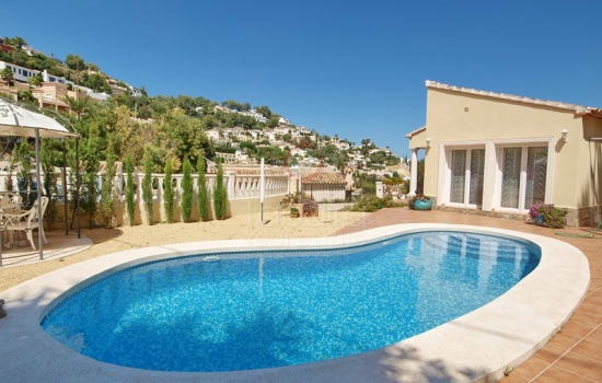 Buy Villa with pool in Moraira, Costa Blanca North
