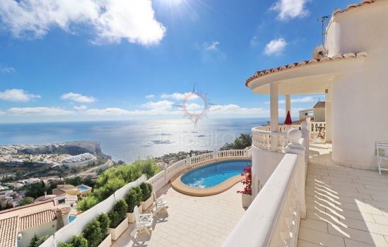 To buy villas in Cumbre del Sol - Benitachell you must be passionate about the beauty of the sea
