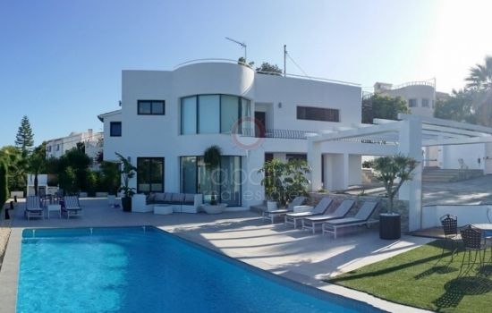 Properties for Sale in Moraira Costa Blanca. Interacional Tourist Center in the Northern Zone of Alicante
