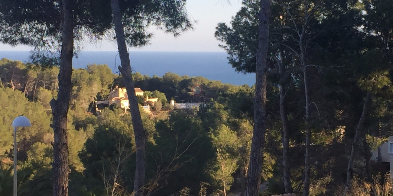 Building land with sea views on the Benissa Costa