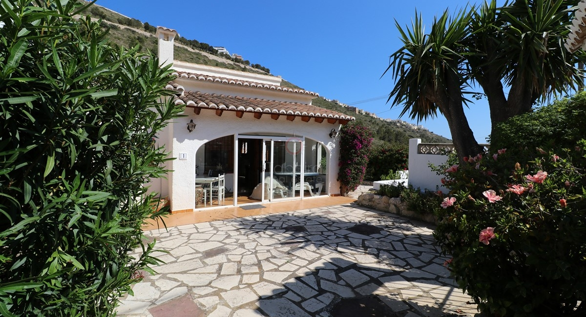 properties, two bedroom villa with sea views in moraira