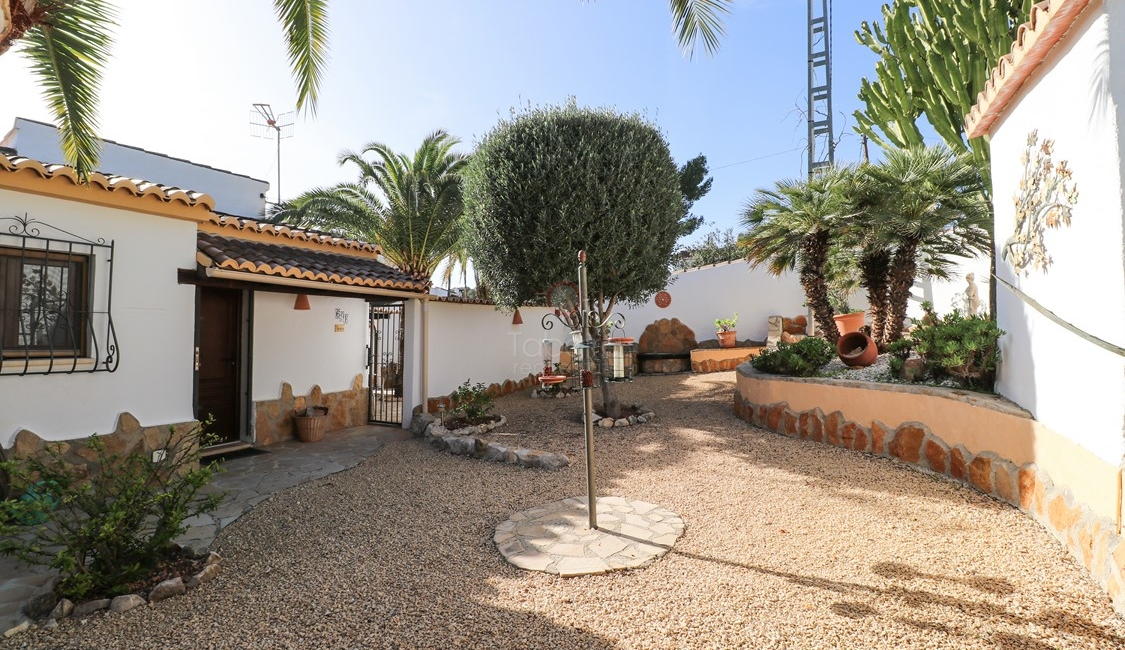 Villa for sale in Moraira, close distance to town