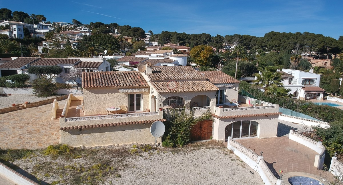 ▷ Spanish villa for sale with sea views close to Moraira