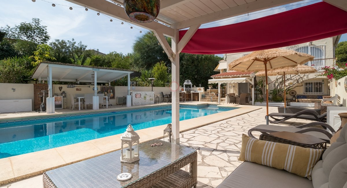 ▷ Villa for sale in Cometa Moraira close to amenities